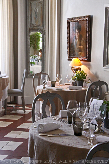 Visiting the Vaucluse - an outstandin place to have a diner, le château de Mazan | Carpentras Holidays | Scoop.it