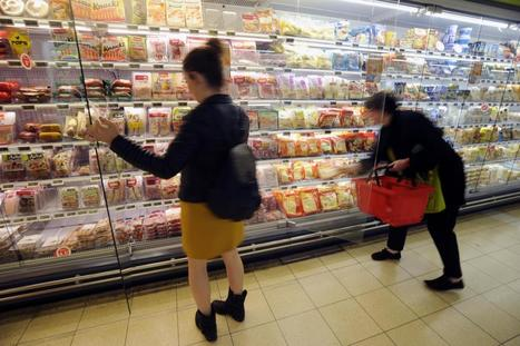 France becomes first country to force all supermarkets to give unsold food to needy | EC | Scoop.it