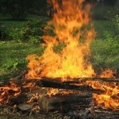 Campfire Caused Wildfire, The Dangers Of Irresponsible Camping - The Inquisitr | Small Curation #3 Camping and Survival | Scoop.it
