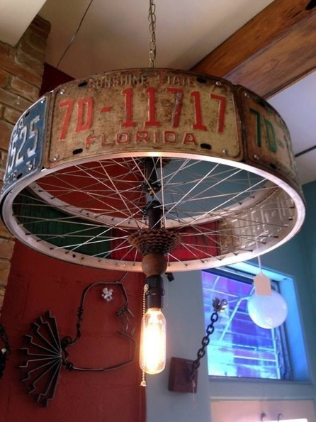 DIY Lamp Made From Old Florida Tags and Bike Rim | DIY Craft Ideas For The Home | Scoop.it