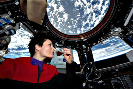 Samantha Cristoforetti sips first fresh espresso in space | Italia Mia | Scoop.it