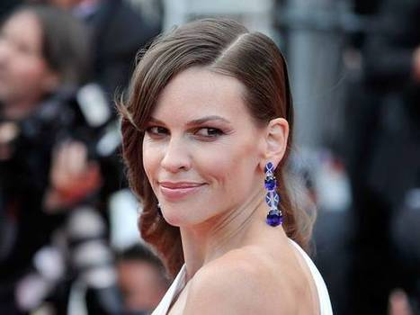 Hilary Swank to star in Denial about Holocaust denier David Irving | INTRODUCTION TO THE SOCIAL SCIENCES DIGITAL TEXTBOOK(PSYCHOLOGY-ECONOMICS-SOCIOLOGY):MIKE BUSARELLO | Scoop.it
