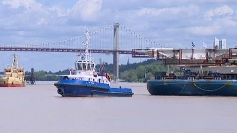 Des bouts de pont naviguent sur la Garonne - France 3 | Bordeaux : tourisme et art de vivre | Scoop.it