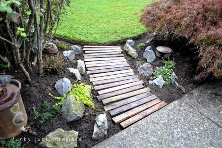 Make a pallet garden pathway | Upcycled Garden Style | Scoop.it