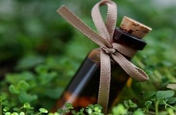 Quelles huiles essentielles pour lutter contre le rhume des foins ? | ParisBilt | Scoop.it