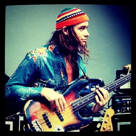 young Pics — vimadmusic: Amazing bassplayer…. my goal!! | Amazing Rare Photographs | Scoop.it