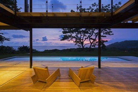 Tropical solar-powered home boasts spectacular views of the ocean and jungle | The Jazz of Innovation | Scoop.it