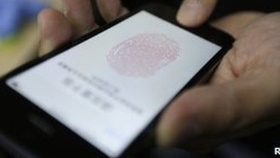 Apple fingerprint ID 'hacked' | Hot off the press- Social Media | Scoop.it