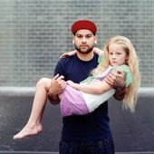 Photographing Complete Strangers Posing Together as Loved Ones | Life | Scoop.it