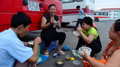Vietnam's minimum wage leaves its workers impoverished | Asian Labour Update | Scoop.it