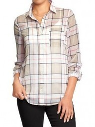 Vanessa Rocks the 'tied-around-the-waist' Plaid Shirt Look | World of Fashion!! | Scoop.it