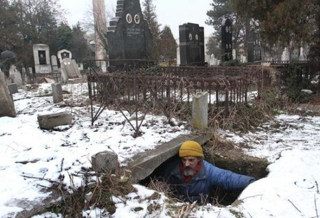 Homeless Man Has Been Living in a Grave for the Last 15 Years | Strange days indeed... | Scoop.it