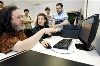"Richard Stallman dice que ""Apple es el peor enemigo de la libertad del usuario"" 
