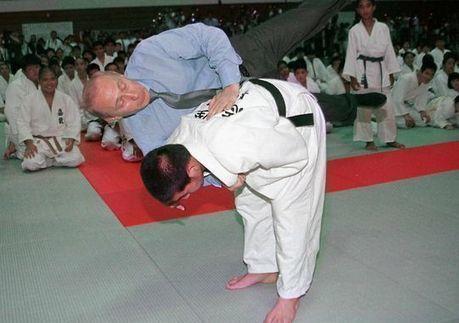 Putin awarded 8th-degree black belt in karate - USA TODAY   Ronin Bujutsu Kai   Scoop.it