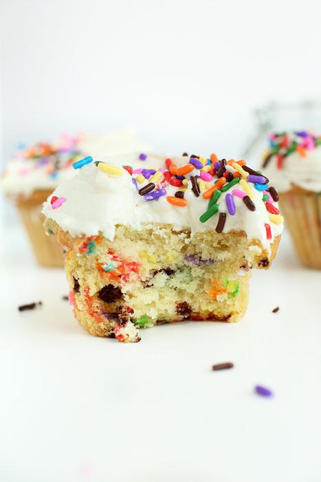 Vegan Funfetti Cupcakes | Minimalist Baker Recipes | My Vegan recipes | Scoop.it