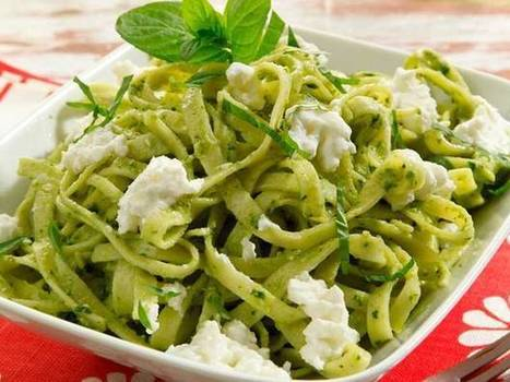 Ricetta Tagliatelle con pesto di zucchine e ricotta   Arturo.tv   Gusto e Passione   Scoop.it