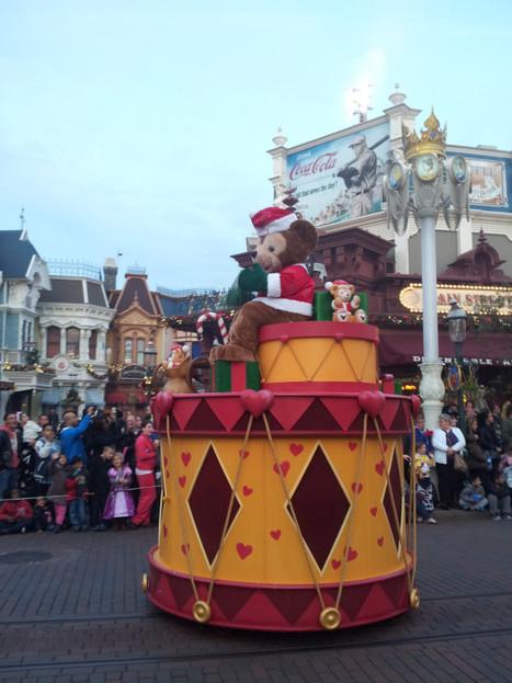 Duffy on the christmas parade.. on Twitpic   Disneyland Paris   Scoop.it