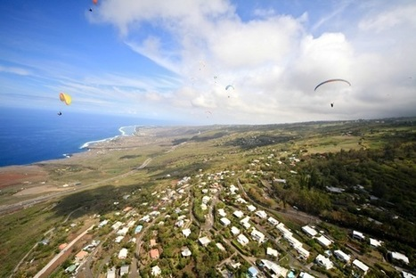 VIDEO: Paragliding in La Réunion | Fractions of the world Travel blog | Scoop.it