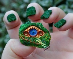 Dragon Claws, Ponies, Hobbit Holes, & More In This Impressive Pop-Culture Nail Art | Geek On | Scoop.it