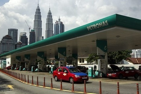 Petronas says it is in talks with four companies over LNG project stakes | Energy Supply Chain Leaders | Scoop.it