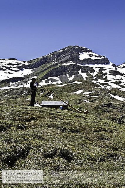 Cor des alpes - Alpen Horn | DESARTSONNANTS - CRÉATION SONORE ET ENVIRONNEMENT - ENVIRONMENTAL SOUND ART - PAYSAGES ET ECOLOGIE SONORE | Scoop.it