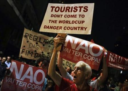 World Cup protests threaten Brazil's economy and its image | Reuters | World Cup | Scoop.it