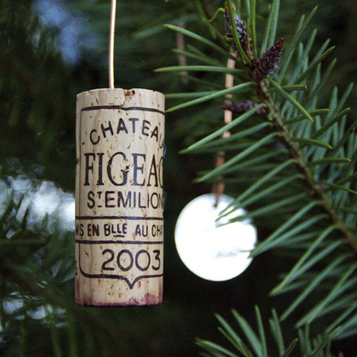 Get your holiday decorations on, wine style   Dr Vino's wine blog   I Heard It Through the Grapevine   Scoop.it