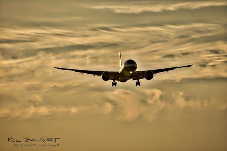 Photo: An Eva Air Boeing 777-300 landing in Paris   Aviation & Airliners   Scoop.it