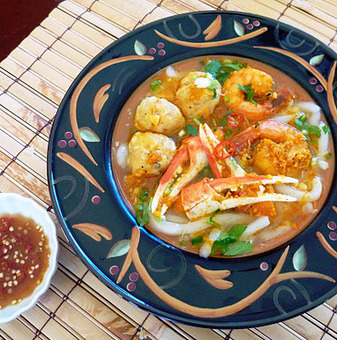 The Spices Of Life . . .: Bánh Canh Cua Tôm (Crab and Shrimp Udon Soup) | Food | Scoop.it