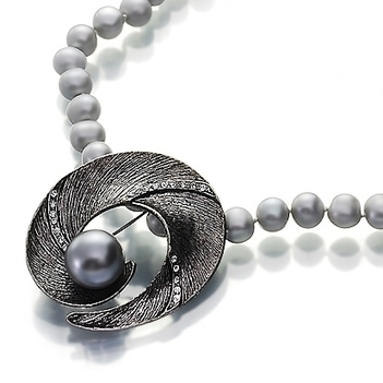 Nocturine No 255  pearl necklace | Pearls & Fashion | Scoop.it