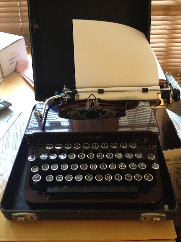 The Tom Hanks Typewriter Saga | Antiques & Vintage Collectibles | Scoop.it