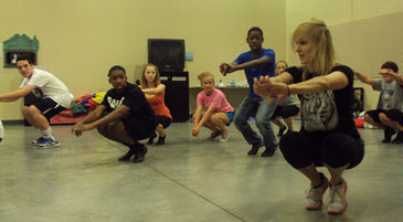 Starlight STARS Learn Dance Moves From Broadway Actress | Starlight Theatre | OffStage | Scoop.it