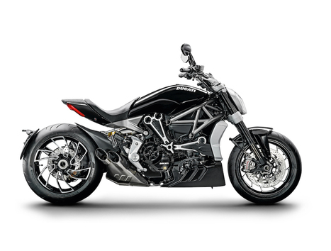 """Visitors to EICMA 2015 elect the Ducati XDiavel as the """"best-looking bike"""" 