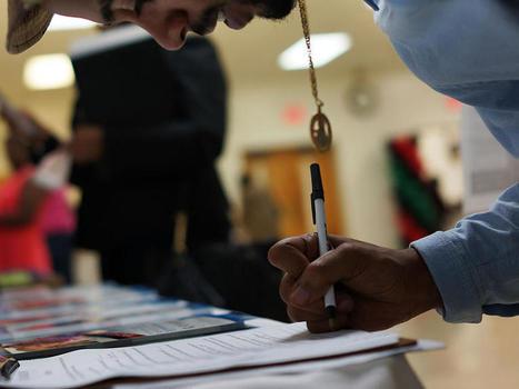 Report: Income, poverty rates remain high - CBS News | Economics | Scoop.it