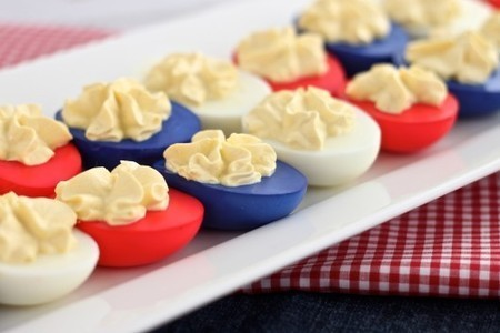 How to color deviled eggs (colored egg whites) | Created by Diane | Fourth of July Food | Scoop.it