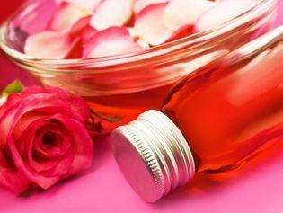 Eaux florales : 5 recettes beauté à faire soi-même | Huiles essentielles HE | Scoop.it