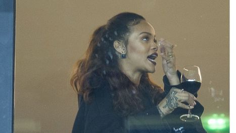 Rihanna Is the Queen of Taking #Wine Glasses to Go | Vitabella Wine Daily Gossip | Scoop.it