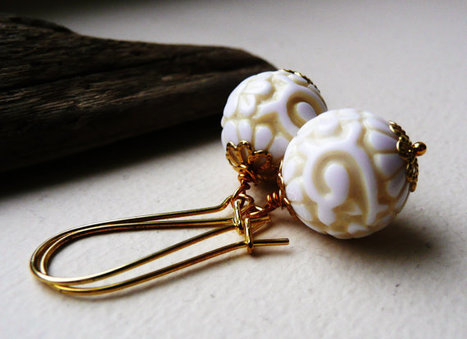 Pale Yellow Vintage Lucite Carved Round Beaded Earrings Dangle | Jewlery | Scoop.it