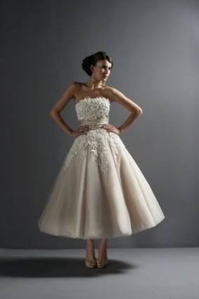 Modern Tea-Length Appliques Beading Sash Tulle Satin Bridal Dresses - Wedding Dresses | Wedding Dresses | Scoop.it