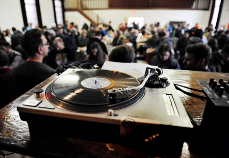 City Living: Vinyl vultures descend upon record fair - Vancouver Courier | vinyl records | Scoop.it