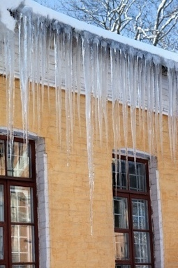 Prevent Ice Dams from Damaging Your Home and Roof | YENIUS | Scoop.it