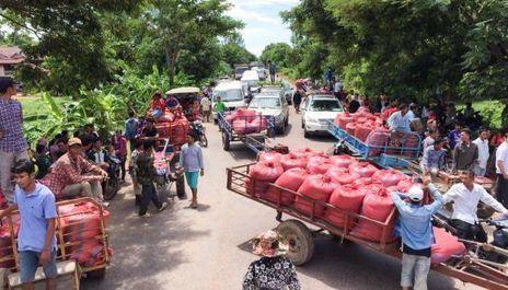 Cambodge : La baisse inexorable des prix agricoles : les paysans endettés et ruinés, protestent | Questions de développement ... | Scoop.it
