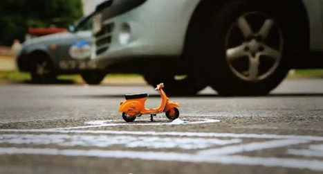 Un scooter miniature sensibilise les automobilistes face aux deux roues | streetmarketing | Scoop.it