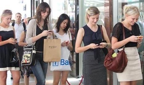 Uso excessivo de smartphones pode causar hérnia do disco cervical | Pplware | Meu Acre, Ciências, Brasil, Artes e Borboletas | Scoop.it
