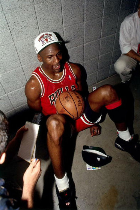 Où acheter la Air Jordan 8 Retro Playoffs 2013 ? | sneakers-actus.fr | Scoop.it