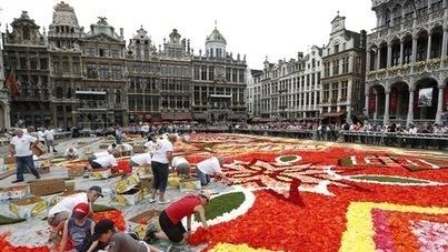 Bruxelles met l'Afrique à l'honneur avec une tapisserie de fleurs géante   La-Croix.com   Union Européenne, une construction dans la tourmente   Scoop.it