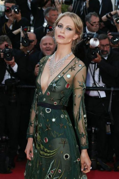 Photos : Poppy Delevingne seins nus à Cannes | Radio Planète-Eléa | Scoop.it