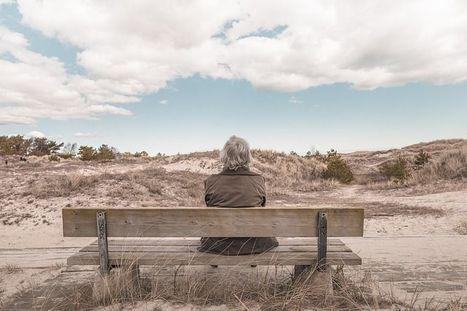 """Nouvelle bibliographie Ascodocpsy : """"Entrée en institution des personnes âgées""""   La psy vue dans les médias   Scoop.it"""