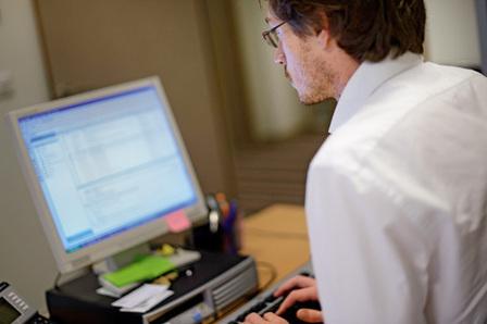 Travail et sécurité. Le mensuel de la prévention des risques professionnels — ÉLECTRONIQUE. Les mails source de risques professionnels | Entreprises du Loiret, mettez en place votre prévention des risques pros | Scoop.it