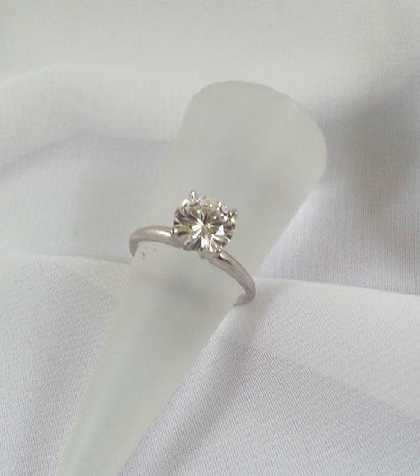 Moissanite Engagement Ring 2 Carat Size 14K White Gold | Vintage Jewelry and Fashions | Scoop.it